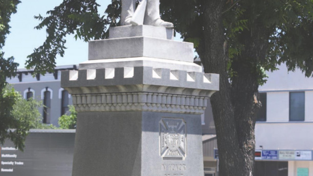 Confederate statue to remain on courthouse lawn